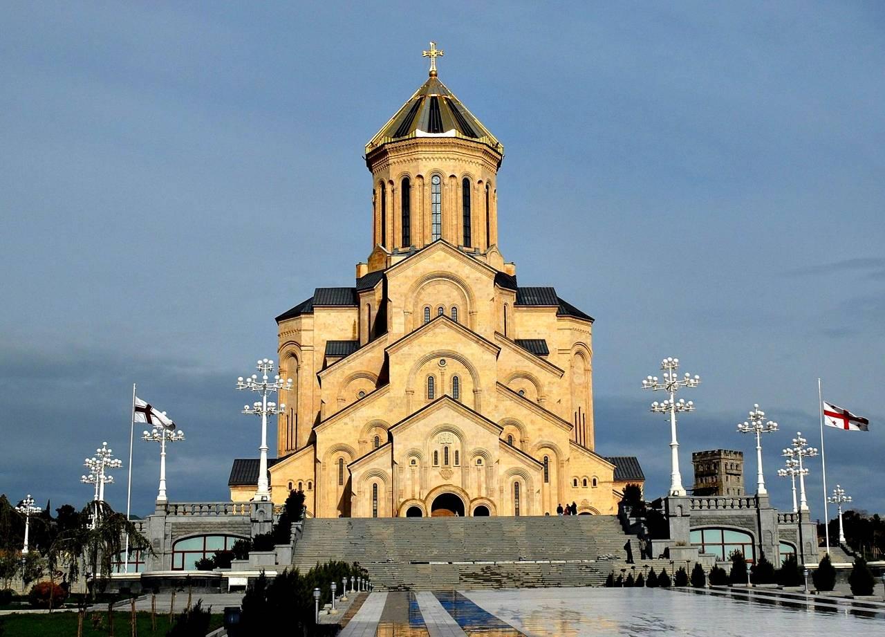 saborni_hram_svete _trojice_tbilisi_gruzija