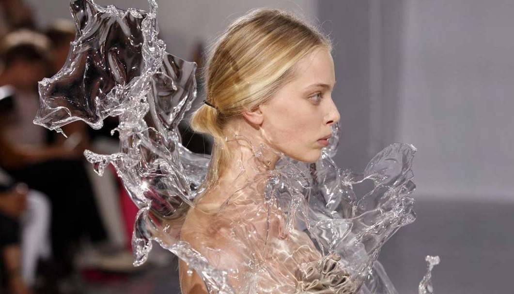 Neobična moda Iris van Herpen
