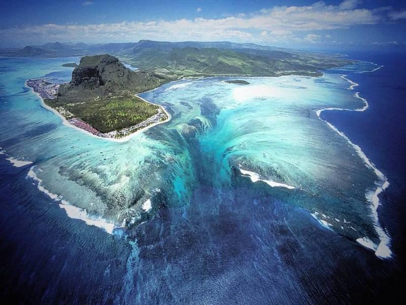podvodni vodopad1