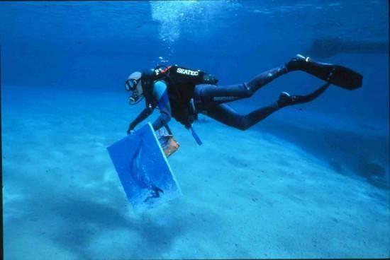 underwater-painting-550x368